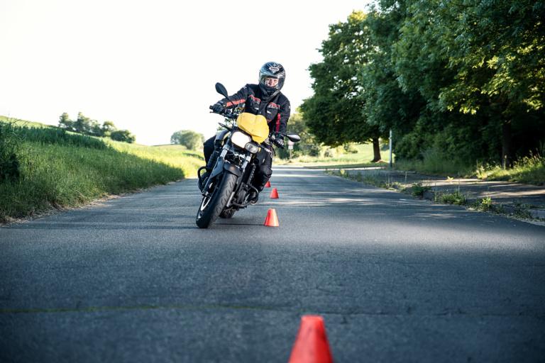 Fahrschule Lautenschläger Motorradfahrtraining